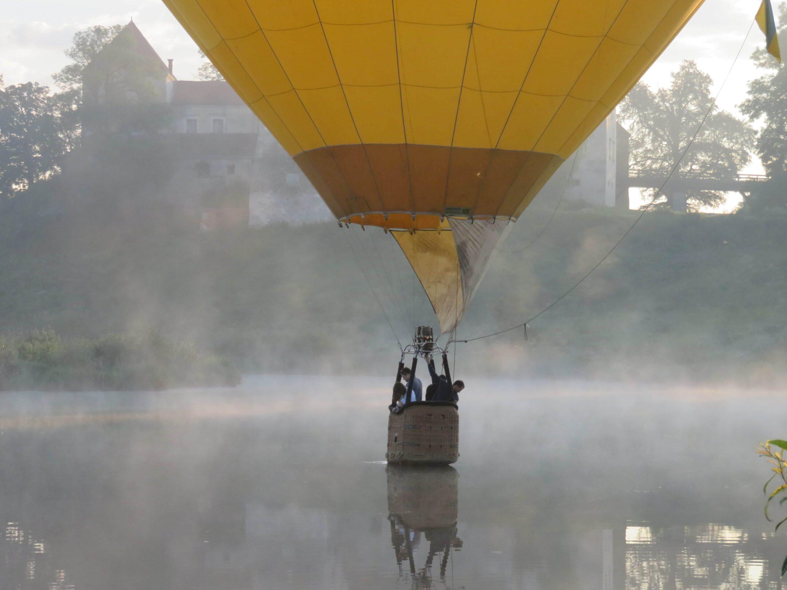 політ на повітряній кулі в Сваляві