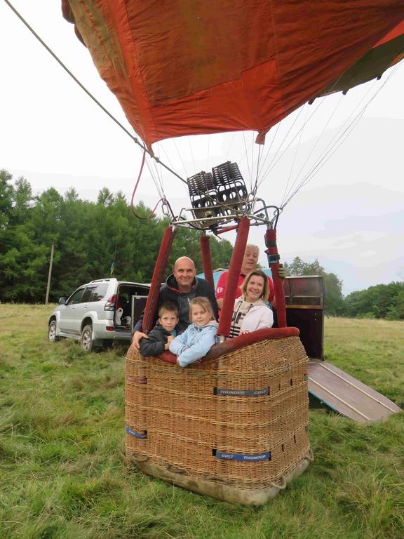 Полет на воздушном шаре с ребенком